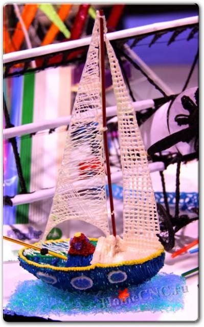 игрушка корабль сделанная 3D ручкой